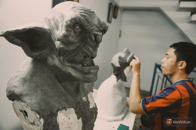 Ghé thăm lò chế tạo mô hình quái vật kinh dị như trong phim Hollywood của nhóm bạn trẻ ở Sài Gòn - Ảnh 6.