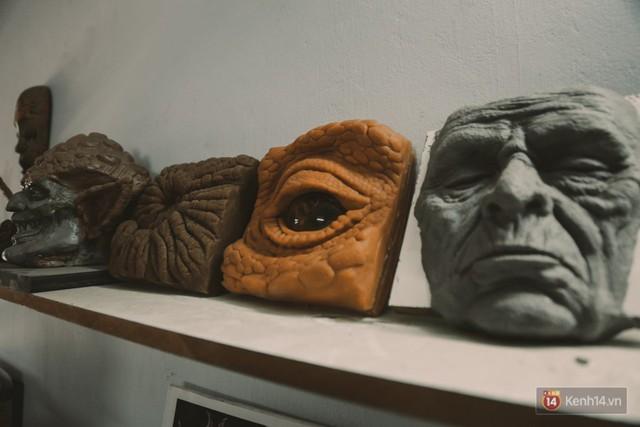 Ghé thăm lò chế tạo mô hình quái vật kinh dị như trong phim Hollywood của nhóm bạn trẻ ở Sài Gòn - Ảnh 7.