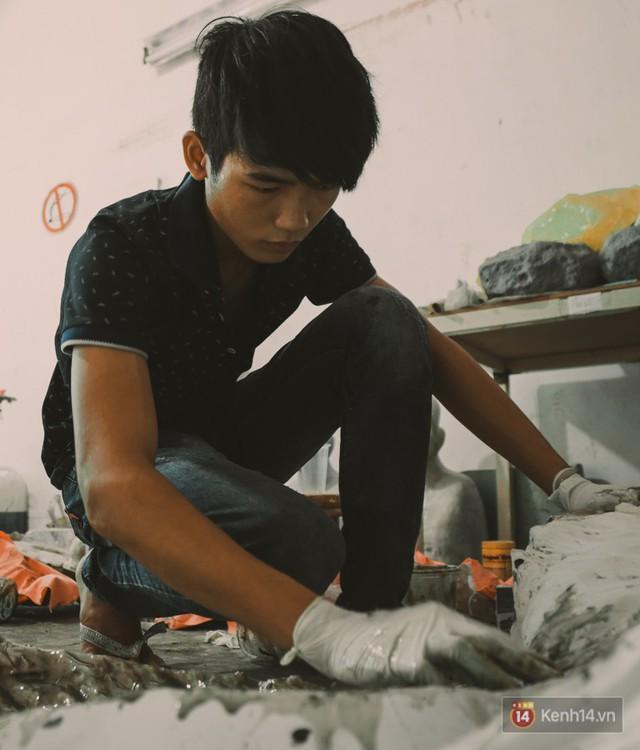 Ghé thăm lò chế tạo mô hình quái vật kinh dị như trong phim Hollywood của nhóm bạn trẻ ở Sài Gòn - Ảnh 9.