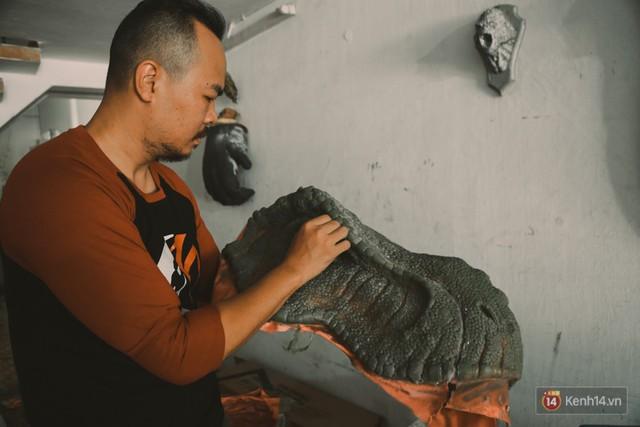 Ghé thăm lò chế tạo mô hình quái vật kinh dị như trong phim Hollywood của nhóm bạn trẻ ở Sài Gòn - Ảnh 10.