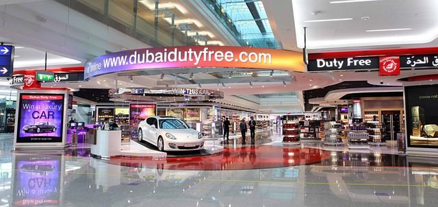 Đằng sau xa hoa dát vàng, là 7 sự thật không thể ngờ về thiên đường Dubai - Ảnh 1.