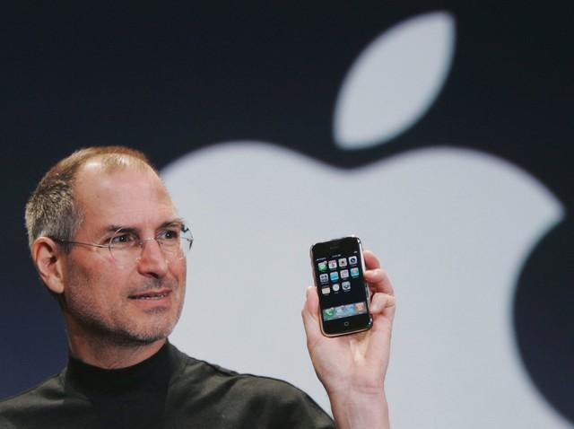 Học Steve Jobs thay đổi một điều nhỏ này, bạn sẽ có sức hút hơn gấp 7 lần - Ảnh 1.