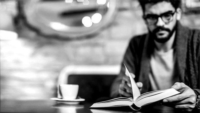 Không chết ở tuổi 35: Người thành đạt đến đâu, bề ngoài hào nhoáng đến đâu, nếu không chăm đọc sách thì mãi chỉ là thùng rỗng kêu to - Ảnh 3.