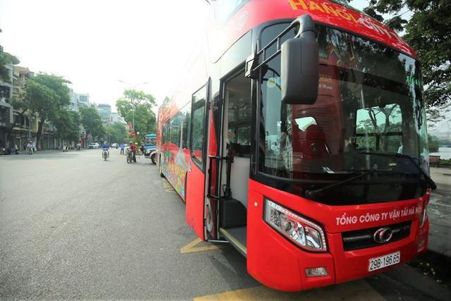 Chi 650.000 đồng đi xe buýt 2 tầng vừa ra mắt, khách hưởng dịch vụ gì? - Ảnh 1.