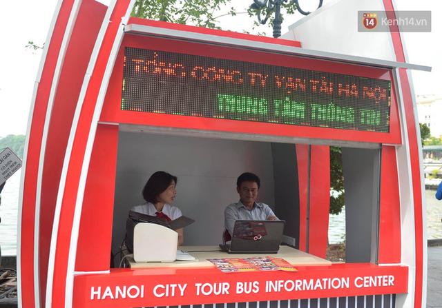 Chính thức khai trương tuyến xe buýt hai tầng mui trần đầu tiên ở Hà Nội: Giá vé 300k/4h - Ảnh 4.