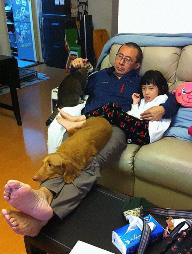 Mỗi năm chụp một bức ảnh bố và con gái giống hệt nhau, 10 năm sau bộ ảnh khiến nhiều người cảm động - Ảnh 4.