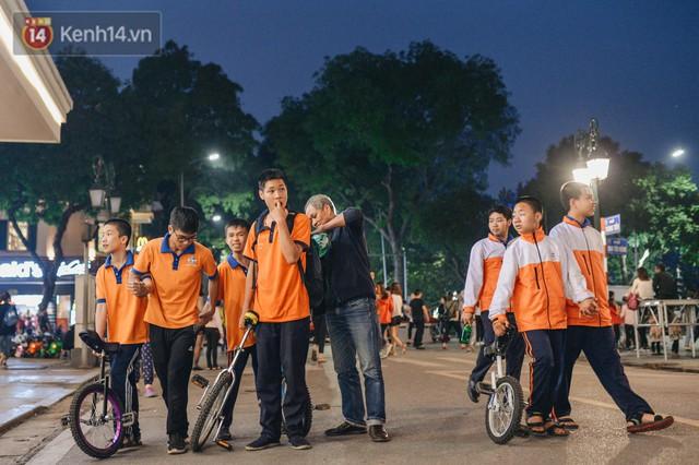 Một người cha Hà Nội viết nên cổ tích cho con trai tự kỷ thoát án chung thân, trở thành kỷ lục gia xiếc nhí Việt Nam - Ảnh 5.