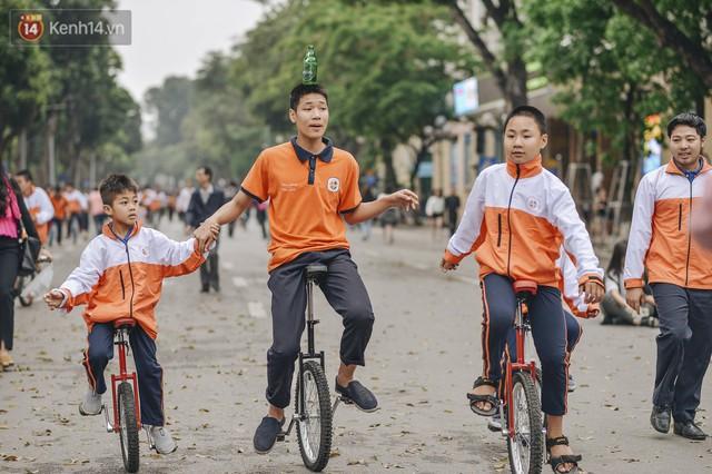 Một người cha Hà Nội viết nên cổ tích cho con trai tự kỷ thoát án chung thân, trở thành kỷ lục gia xiếc nhí Việt Nam - Ảnh 7.