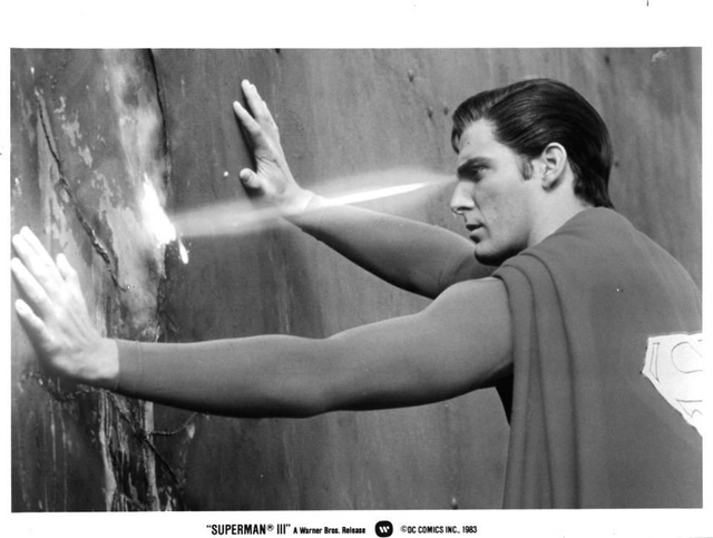 Con người sẽ có thể bắn ra tia laser từ mắt không khác gì Superman - Ảnh 1.