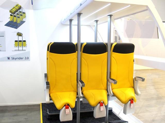 """Hành khách bay giá rẻ có thể phải """"bay đứng"""" với kiểu thiết kế ghế ngồi này - Ảnh 2."""
