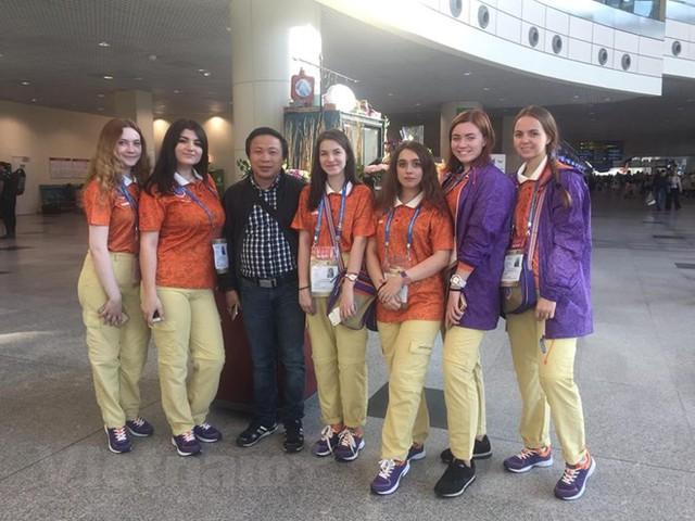 Tình nguyện viên World Cup 2018: Cuộc tuyển chọn gắt gao - Ảnh 1.