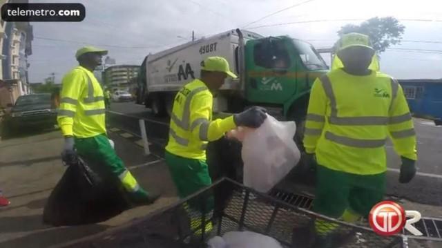 Vị trọng tài World Cup có nghề chính là công nhân thu gom rác - Ảnh 2.