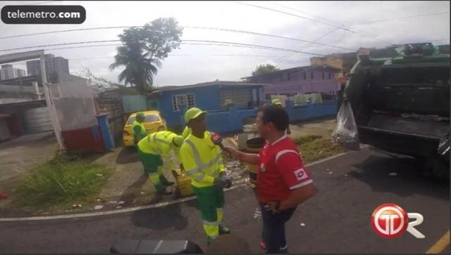 Vị trọng tài World Cup có nghề chính là công nhân thu gom rác - Ảnh 3.