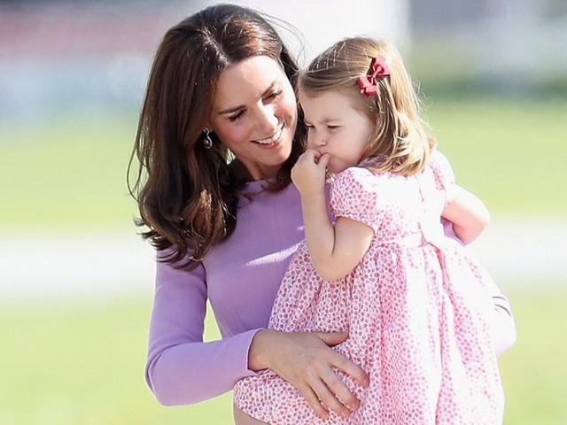 Đây là số tiền công nương Kate Middleton và hoàng tử William tiêu tốn để nuôi được 3 hoàng tử, công chúa - Ảnh 4.
