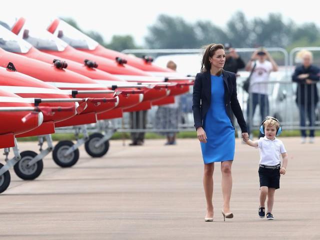 Đây là số tiền công nương Kate Middleton và hoàng tử William tiêu tốn để nuôi được 3 hoàng tử, công chúa - Ảnh 10.