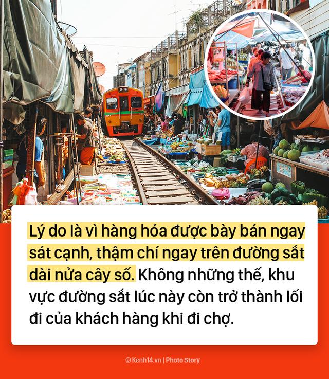 Ở Thái Lan có 1 khu chợ nằm chình ình ngay trên đường ray tàu hỏa - Ảnh 2.