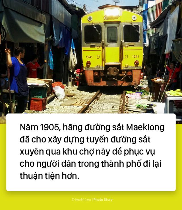 Ở Thái Lan có 1 khu chợ nằm chình ình ngay trên đường ray tàu hỏa - Ảnh 3.