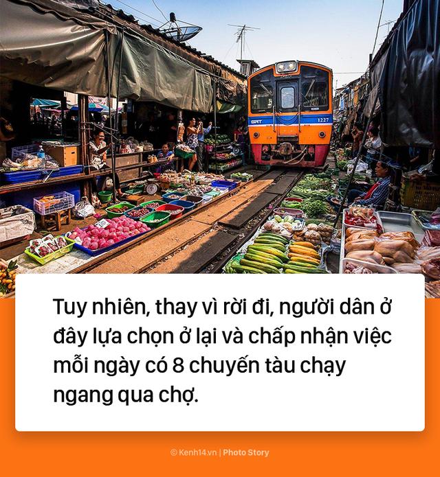 Ở Thái Lan có 1 khu chợ nằm chình ình ngay trên đường ray tàu hỏa - Ảnh 4.