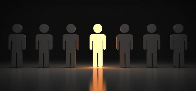 Nhiều người mải mê đuổi theo người khác mà quên mất điều quan trọng để thành công trong sự nghiệp: Hãy là chính mình - Ảnh 1.