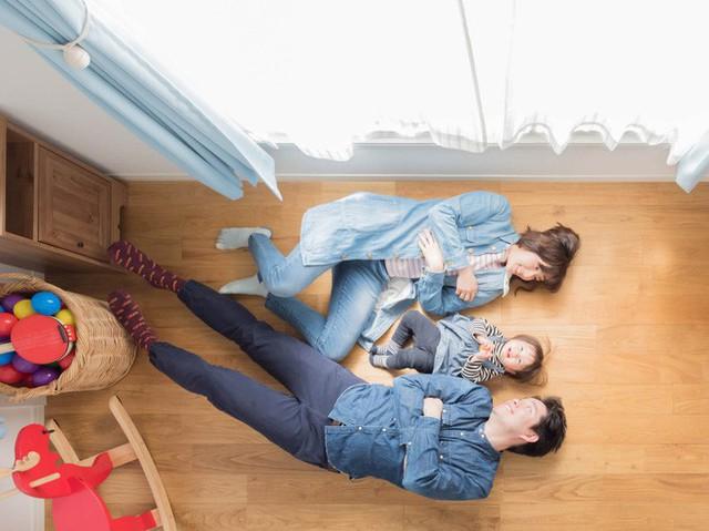 Căn hộ siêu nhỏ nhưng đẹp bình yên của gia đình 3 người ở Nhật Bản - Ảnh 13.