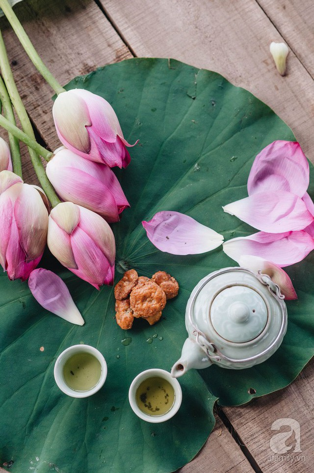 Trà dệt hương sen - thứ trà ủ cả ngàn bông sen Hồ Tây đầy tinh tế của Hà Nội - Ảnh 2.