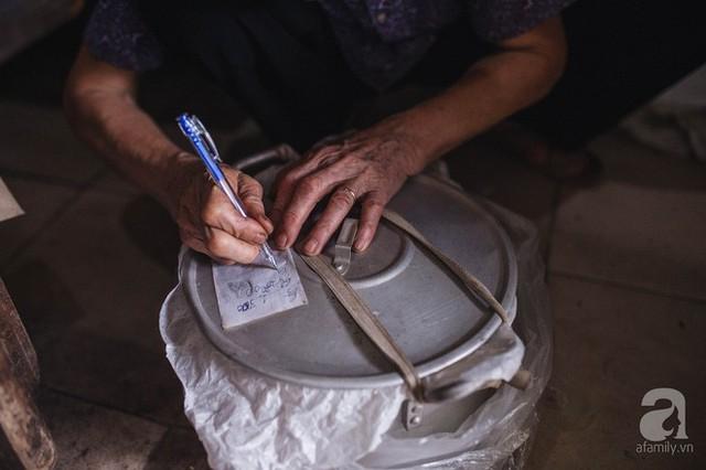 Trà dệt hương sen - thứ trà ủ cả ngàn bông sen Hồ Tây đầy tinh tế của Hà Nội - Ảnh 15.