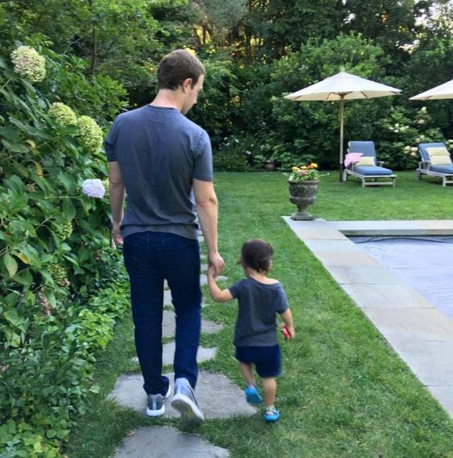 Căn biệt thự hết sức giản dị của tỷ phú Mark Zuckerberg - ông chủ mạng xã hội Facebook - Ảnh 18.