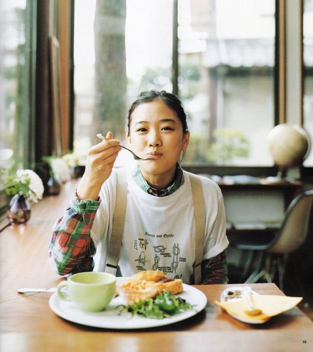 Học người Nhật cách giảm cân an toàn chỉ bằng việc thay đổi thói quen ăn uống trong ngày - Ảnh 5.