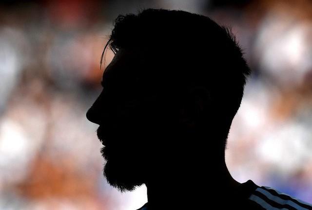 đầu tư giá trị - photo 1 1530002095113978858882 - Hãy thả cậu bé ra nào, Messi!