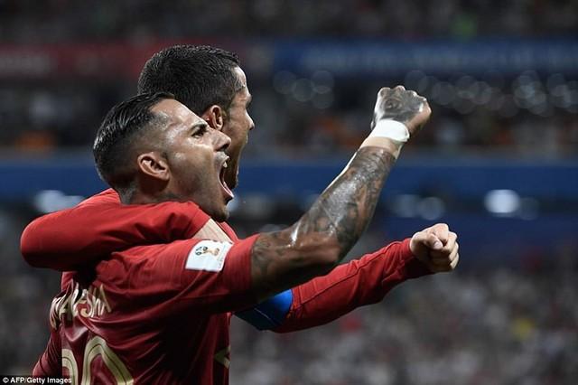 đầu tư giá trị - photo 10 1529975830658756815883 - Nhìn lại trận đấu như phim hành động giữa Bồ Đào Nha và Iran