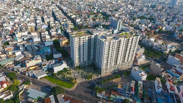 Nhiều thương vụ lớn diễn ra trên thị trường bất động sản - Ảnh 2.