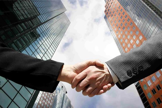 Nhiều thương vụ lớn diễn ra trên thị trường bất động sản - Ảnh 1.
