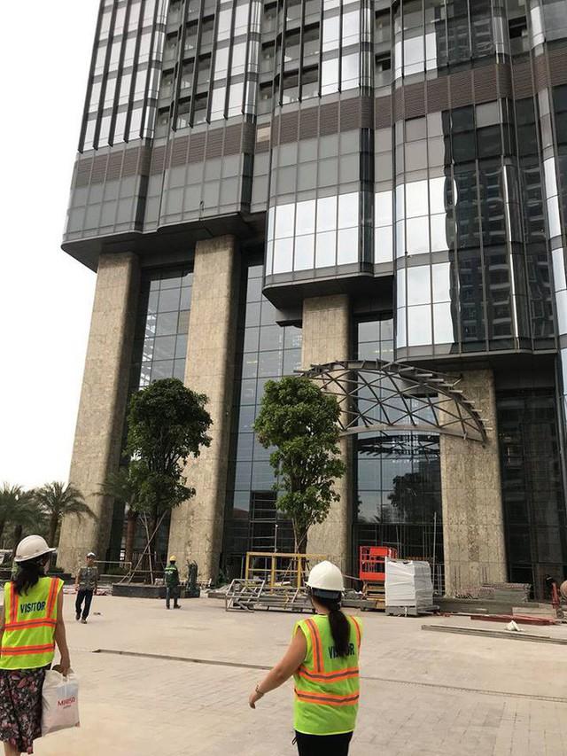 Bên trong tòa nhà cao nhất Việt Nam 1 tháng trước ngày khai trương - Ảnh 3.