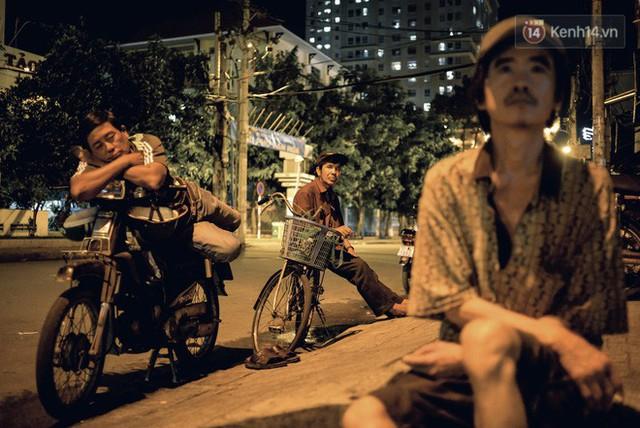 đầu tư giá trị - photo 1 15302353286551951678271 - World Cup ở Sài Gòn dễ thương như cách chú Ba đem ti vi ra vỉa hè cho người lao động cùng xem