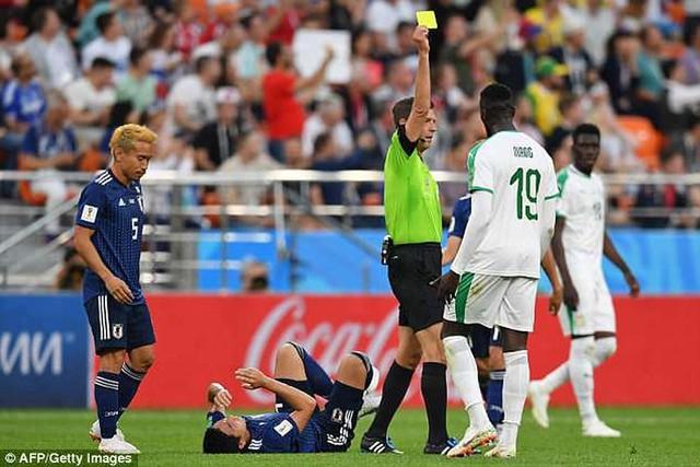 Thế giới phẫn nộ vì Nhật đi tiếp nhờ FairPlay: Trò hề của FIFA - Ảnh 1.