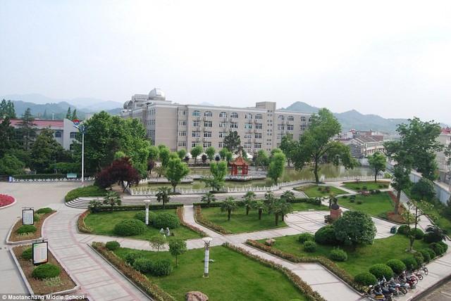Lò luyện thi đại học tại Trung Quốc: Nơi không có trò chơi điện tử, phòng Bida hay quán Internet - Ảnh 3.