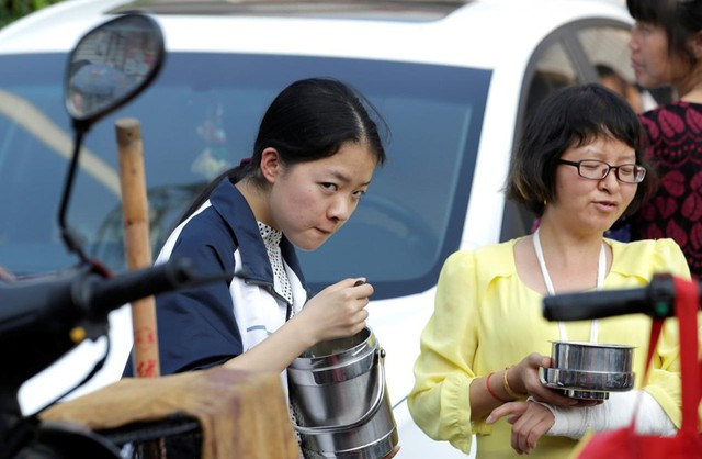 Lò luyện thi đại học tại Trung Quốc: Nơi không có trò chơi điện tử, phòng Bida hay quán Internet - Ảnh 5.
