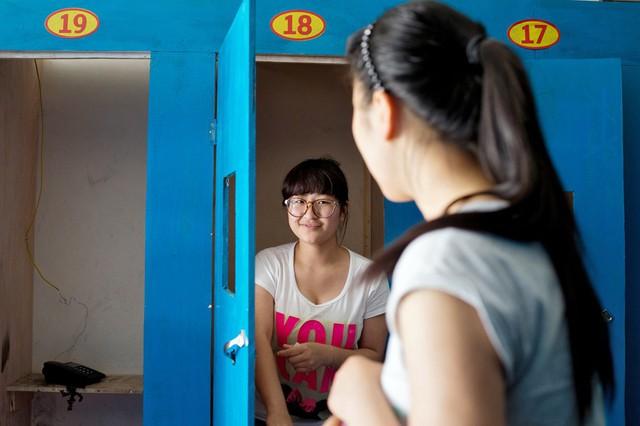 Lò luyện thi đại học tại Trung Quốc: Nơi không có trò chơi điện tử, phòng Bida hay quán Internet - Ảnh 6.