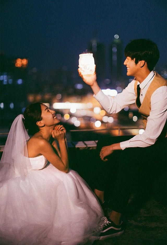 Không cần phải deep đâu, ảnh cưới cứ cười thả ga thế này trông mới dễ thương! - Ảnh 19.