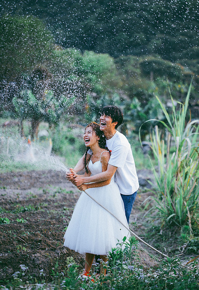 Không cần phải deep đâu, ảnh cưới cứ cười thả ga thế này trông mới dễ thương! - Ảnh 9.