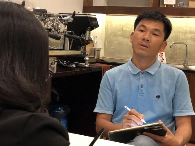 Khởi nghiệp thua lỗ phải sang Nhật kiếm tiền trả nợ, chàng trai này giờ là ông chủ của chuỗi cà phê Specialty, giá 100.000 đồng/ly mà khách nườm nượp, còn hỗ trợ The Coffee House mở quán - Ảnh 1.