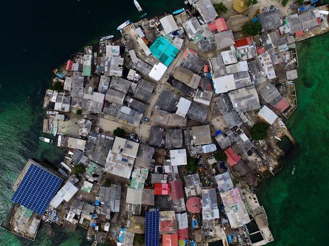 Ghé thăm hòn đảo đông dân nhất thế giới: Diện tích chỉ gần bằng 2 sân bóng đá, thiếu thốn trăm bề nhưng cuộc sống yên bình đến nỗi người dân đi ngủ không cần khóa cửa 2