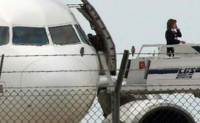 Nghiên cứu mới cho thấy máy bay có thể bị hack từ dưới mặt đất - Ảnh 3.