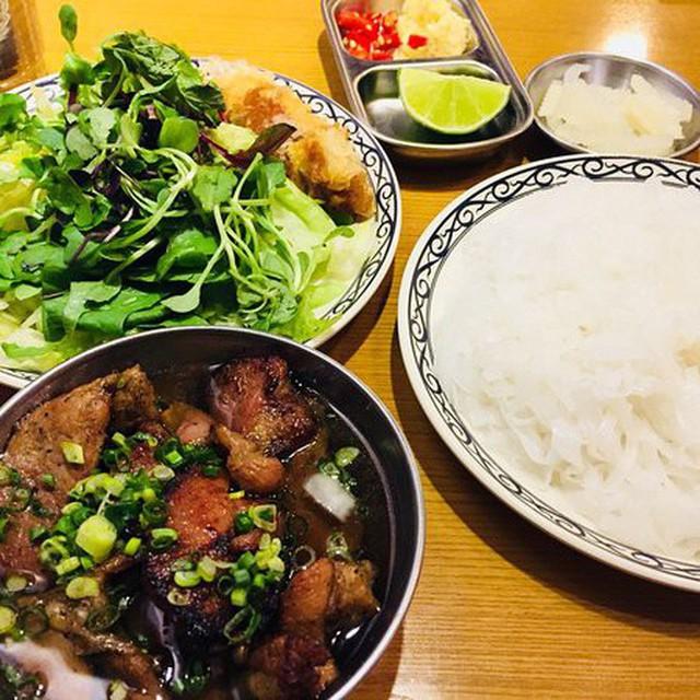 Nhà hàng Việt giữa lòng Seoul nổi tiếng đến nỗi muốn ăn phải xếp hàng tận 20 phút - Ảnh 4.
