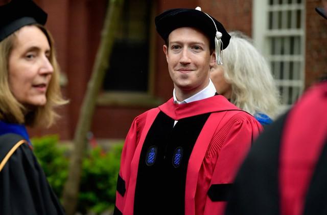 5 CEO kiêm tỷ phú công nghệ đều bỏ học Harvard và Stanford, mỗi năm kiếm nghìn tỷ đút túi - Ảnh 2.