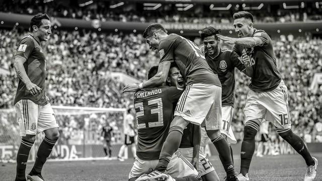 đầu tư giá trị - photo 1 15312264817491411581247 - Bộ ảnh trắng đen choáng ngợp về World Cup 2018