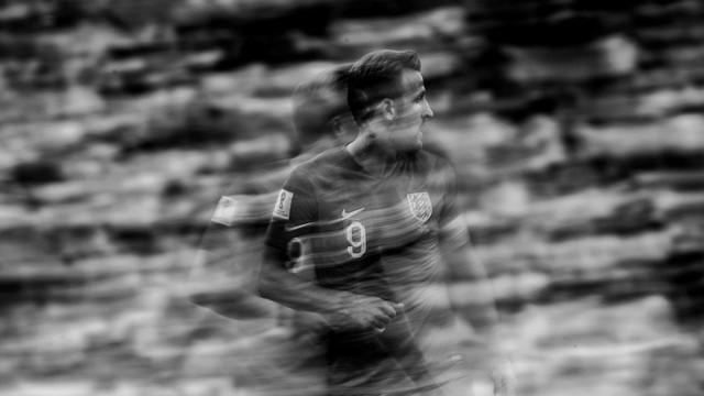 đầu tư giá trị - photo 7 15312264817731172334170 - Bộ ảnh trắng đen choáng ngợp về World Cup 2018