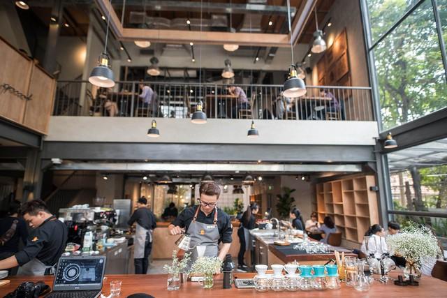 CEO The Coffee House: Quán cà phê nên là nơi khách thấy thân thuộc, chứ không phải xây một quán - 10 độ C để ghé đôi lần rồi không bao giờ trở lại! - Ảnh 3.