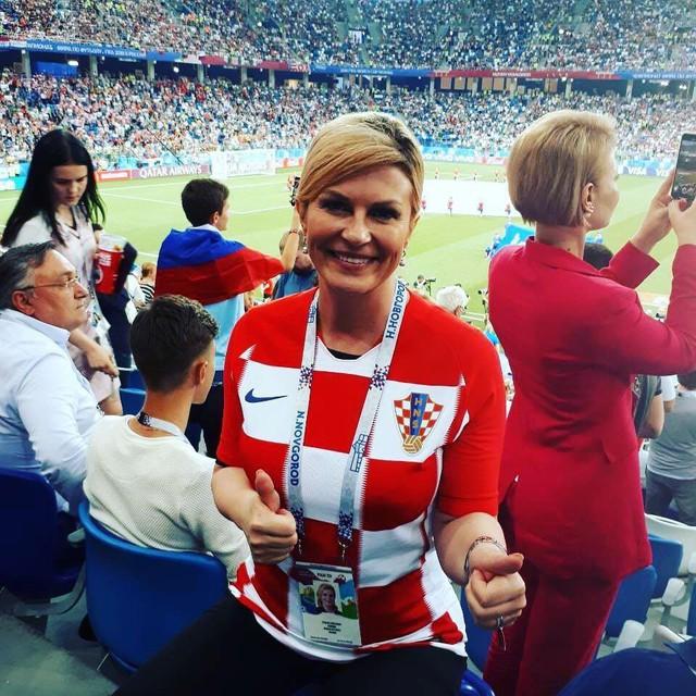 đầu tư giá trị - photo 1 15312768815781203676518 - Chân dung nữ tổng thống nóng bỏng thường xuyên bị nhầm là người mẫu bikini, fan cuồng bóng đá của Croatia