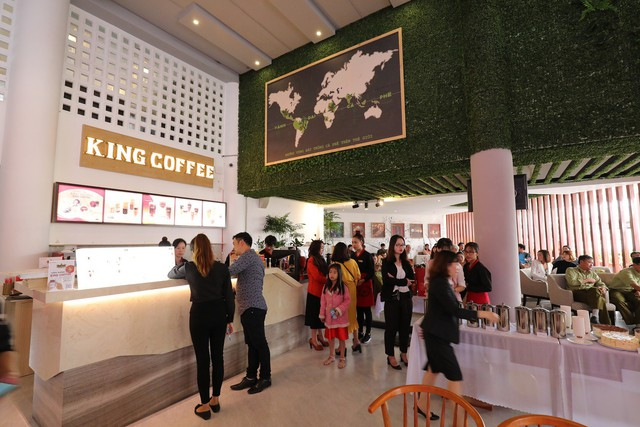 Bà Lê Hoàng Diệp Thảo tự mở chuỗi cà phê King Coffee, cạnh tranh trực tiếp với Trung Nguyên - Ảnh 1.